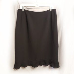 4/$25 Le Suit Black Pencil skirt w/ ruffled bottom